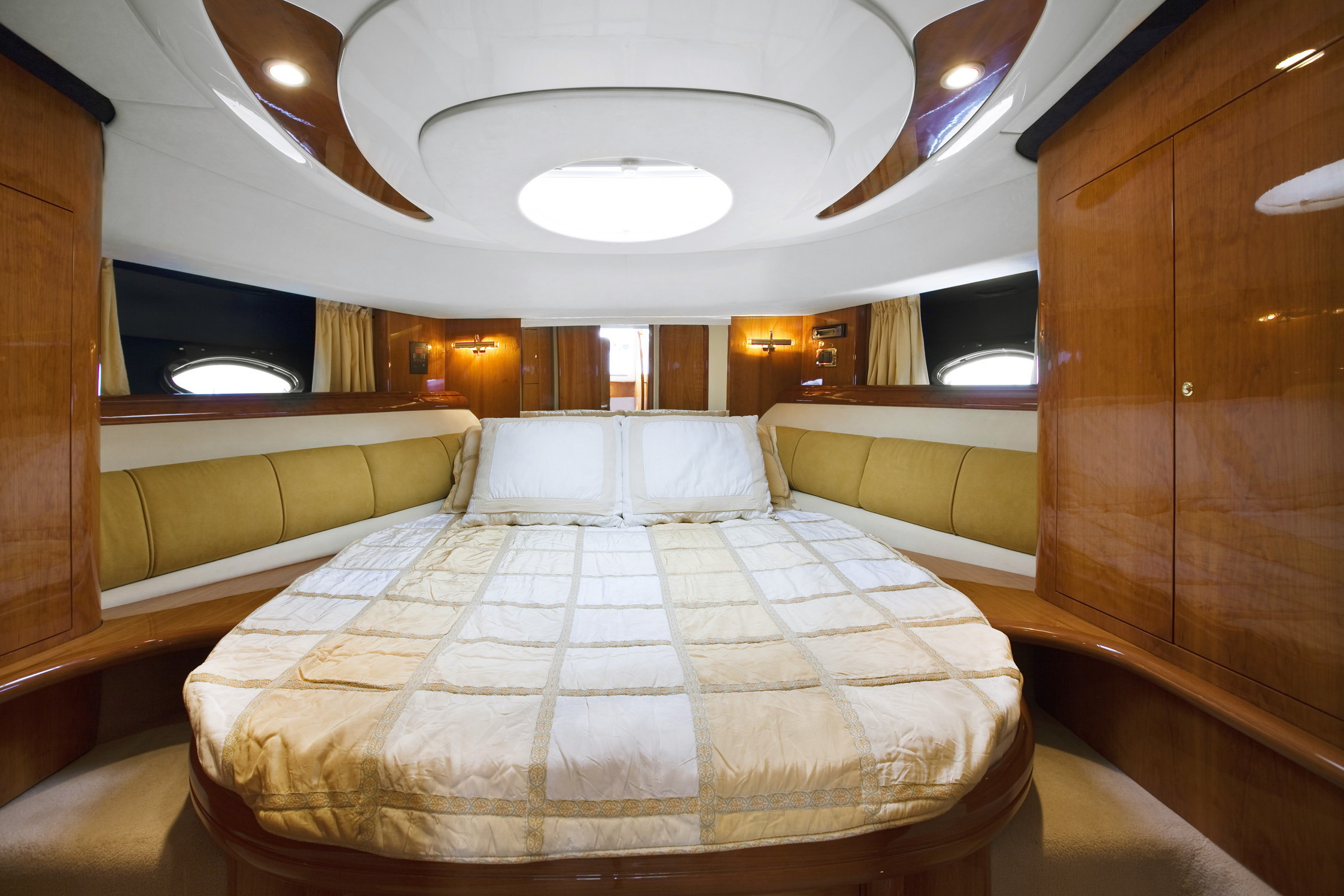 INCOGNITO,MOTOR YACHTS, Yachts for Rent, Yacht Charter, Yacht Rental